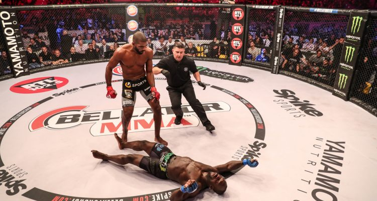 Rafael Carvalho (14-1) defeated Melvin Manhoef (30-14) via Head Kick at 3:15 of Round 4