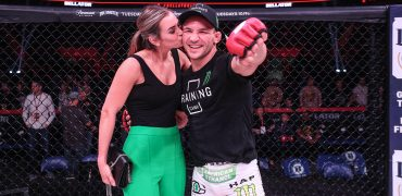 Bellator 197: Chandler vs. Girtz (photos)