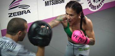 UFC 232: Women's Featherweight Champ Cris Cyborg Hits Pads w/ Jason Parillo + Spars 3 Rounds (FULL)