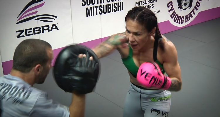 UFC 232: Women's Featherweight Champ Cris Cyborg Hits Pads w/ Jason Parillo + Spars 3 Rounds (FULL)